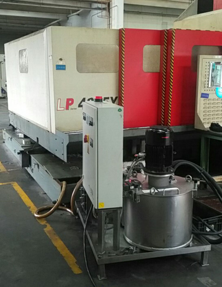 Centrifugal oil purifier for CNC cutting fluid